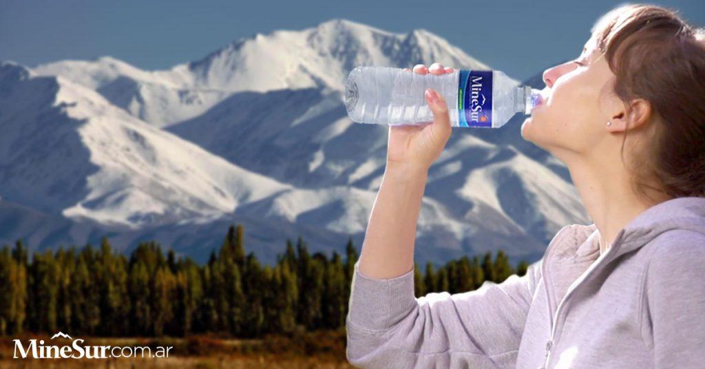 beneficios agua mineral